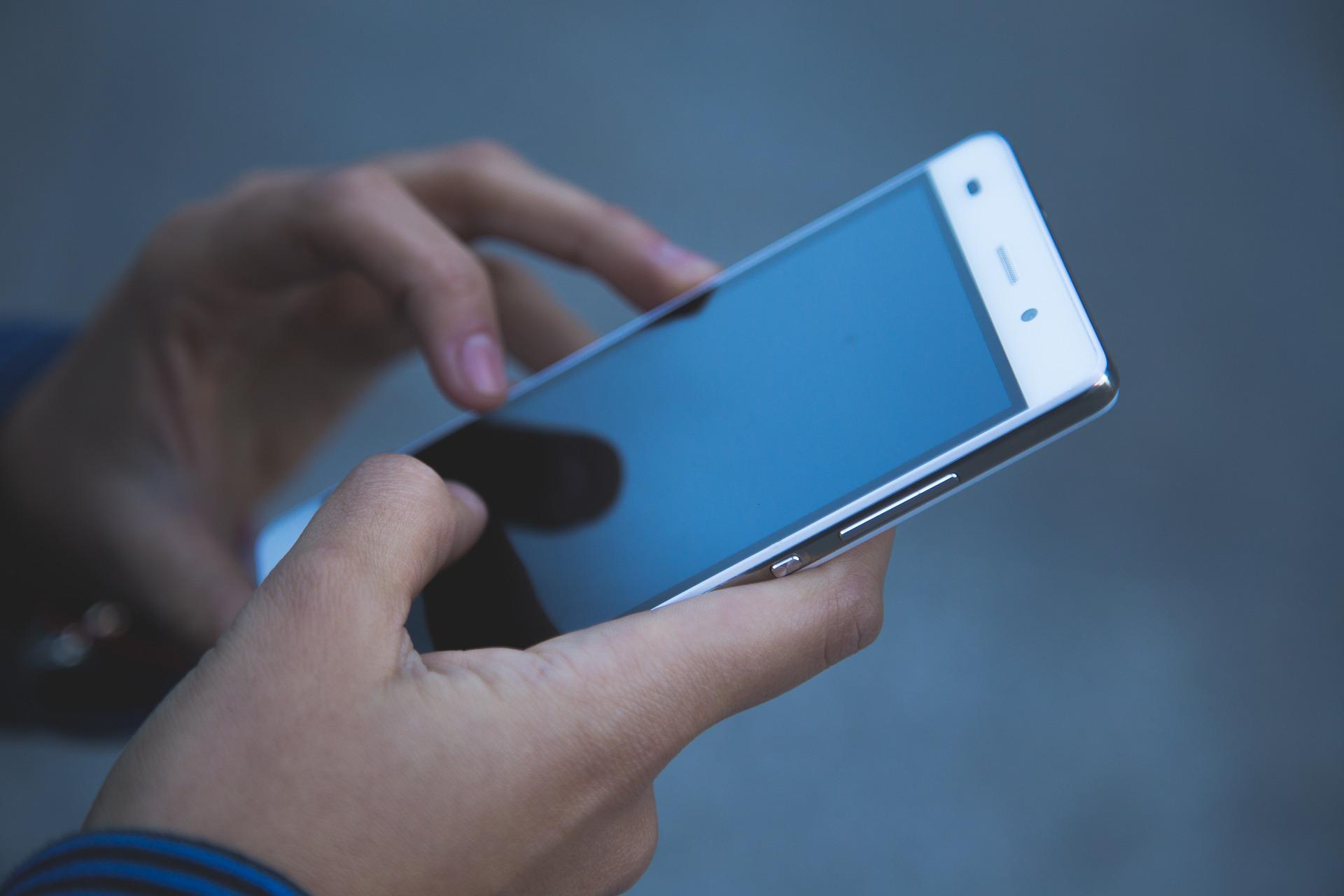 Mobiili työajanseuranta modernin työkulttuurin ja etätyöskentelyn tukena